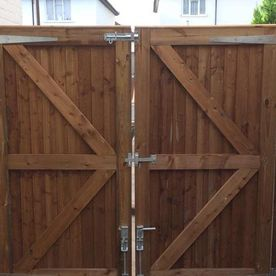 A double fence gate